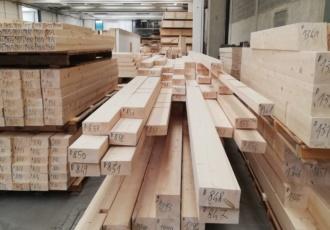 alta precisione nel taglio legno su misura