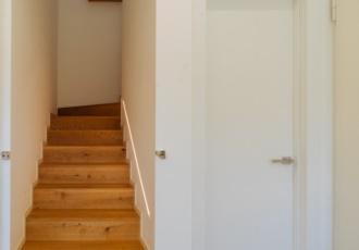 Luci segna- passo-progettate nelle case in legno su misura
