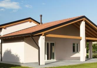 Casa in legno classica ad un piano