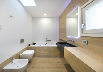 interno-bagno-casa-in-legno
