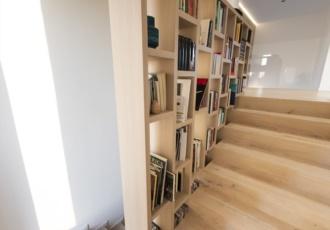 scala-in-legno-libreria-in-legno