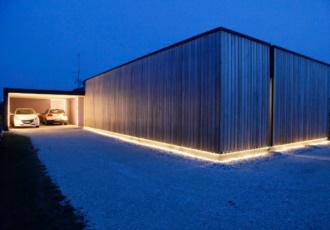 villa-di design-con-larice-e-led