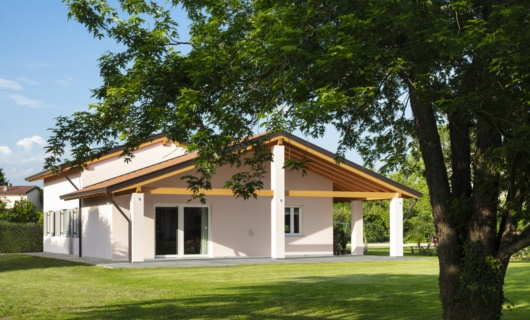 Casa prefabbricata in stile classico ad alto risparmio energetico